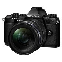Olympus OM-D E-M5 II czarny + obiektyw 12-40mm 1:2.8 PRO