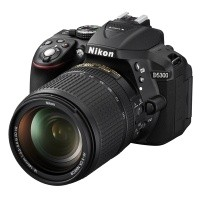 Nikon D5300 Czarny + obiektyw Nikkor AF-S 18-140mm VR