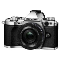 Olympus OM-D E-M5 II srebrny + obiektyw 14-42mm EZ